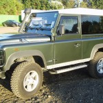 19_land-rover-defender-masai-windows