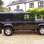 27_land-rover-defender-masai-windows