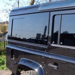 28_land-rover-defender-masai-windows