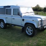 30_land-rover-defender-masai-windows