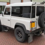 34_land-rover-defender-masai-windows