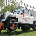 34b_land-rover-defender-masai-windows