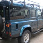 35_land-rover-defender-masai-windows