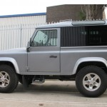 36-land-rover-defender-windows