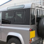 36b-land-rover-defender-windows