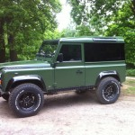 37b-land-rover-defender-windows
