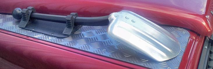 vehicle shovel spade
